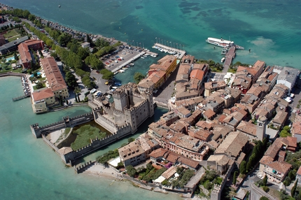 Information about different types of holiday farms in Sirmione, a meeting point for many sport fans